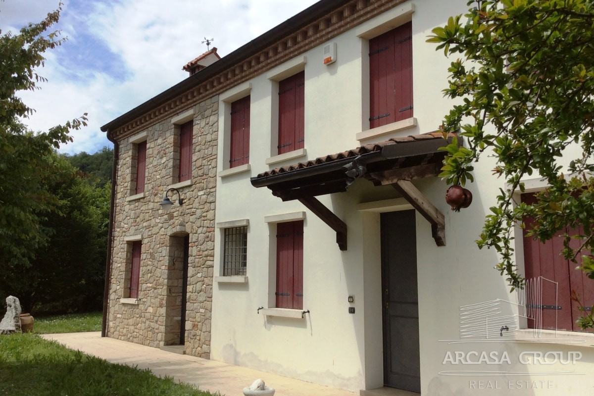 Дом в Теоло, Эмилия-Романья