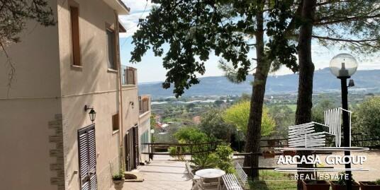 Вилла в Коллекорвино, Абруццо