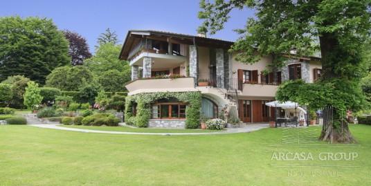 Villa a Laveno-Mombello sul Lago Maggiore