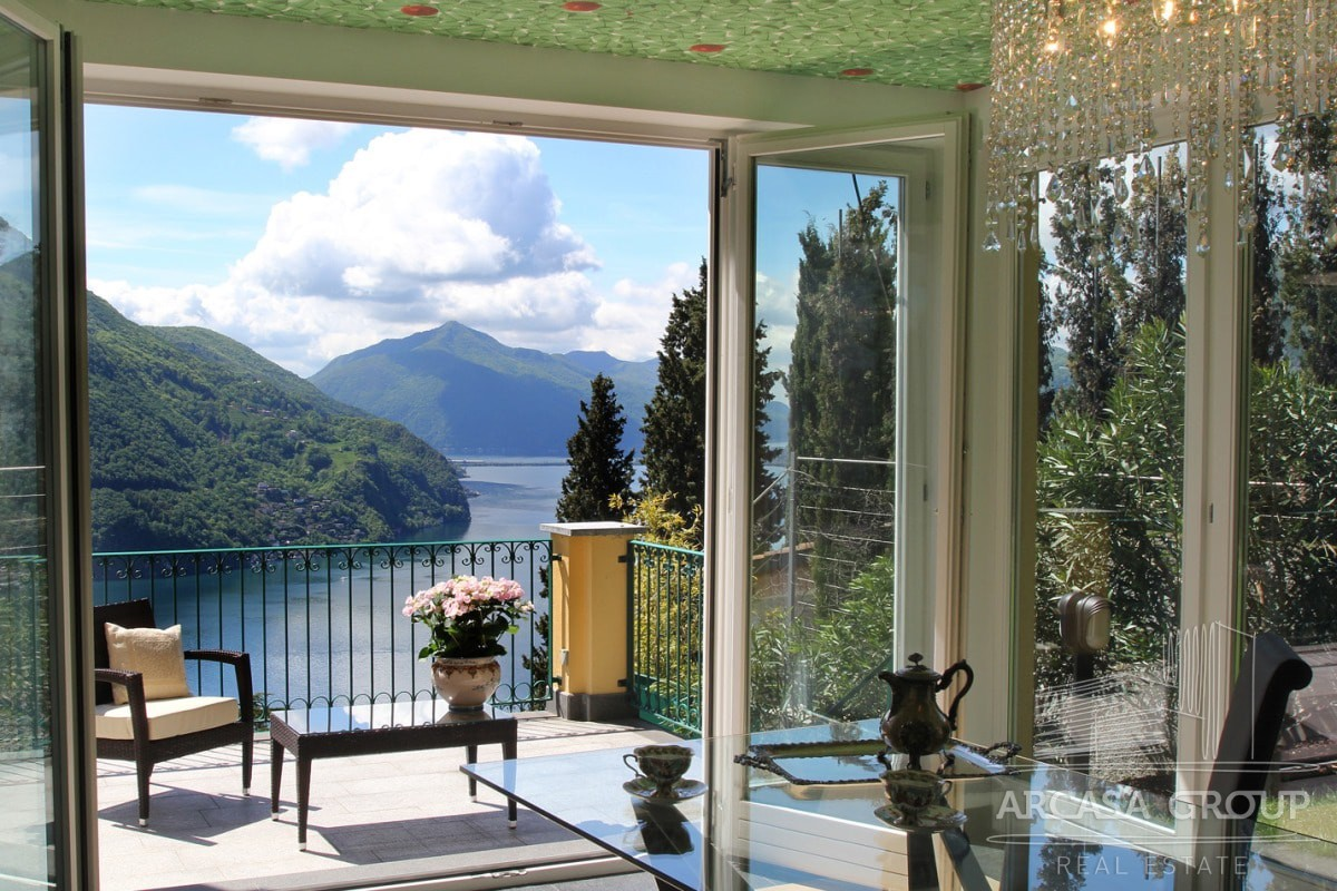 Вилла на озере Лугано, Рувильяна, Швейцария