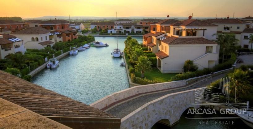 Вилла в Маринагри — курорт в Базиликата