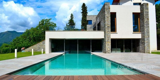 Villa a Pettenasco, Lago d'Orta, Piemonte