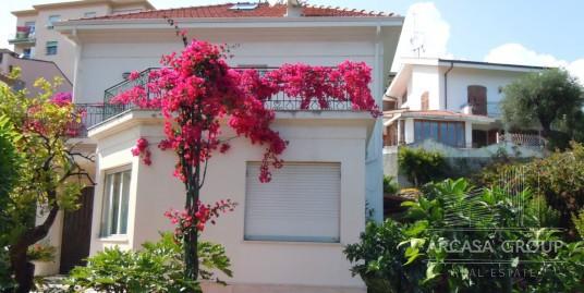Villa sul mare a Sanremo