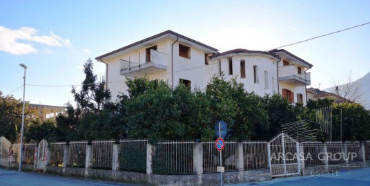 Дом в Лауро, Кампания, Италия