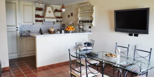 Villa in Villaggio Serra di Mare