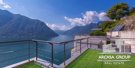 Вилла в Колонно на озере Комо, Италия